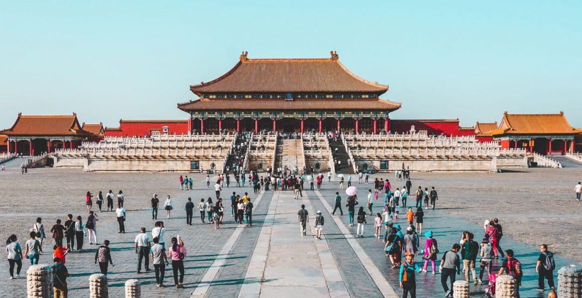 Reasons to Hire a Private Tour Guide in China