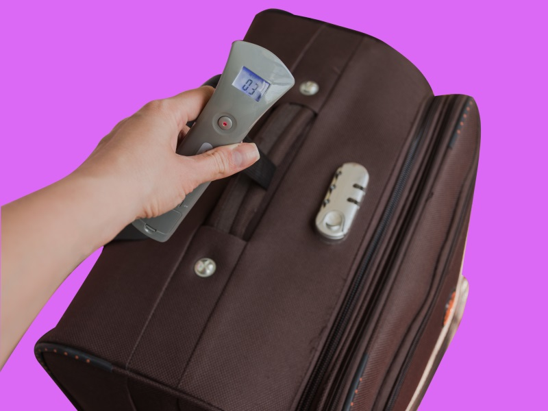 Using digital luggage weighing scales will save you money #luggage #travelplanning