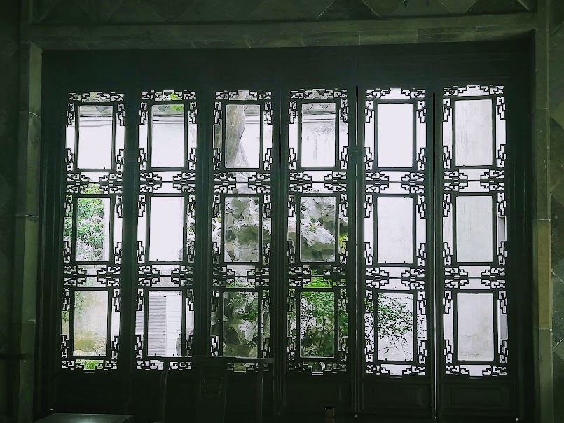 A pretty window on the world - one of our favourite Suzhou garden photos