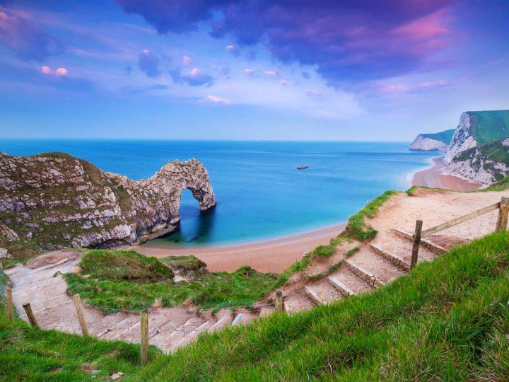 How to Visit Durdle Door on Dorset's Stunning Jurassic Coast