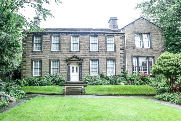 The Bronte Parsonage. Home of the Bronte Sisters | GreyGlobetrotters.com