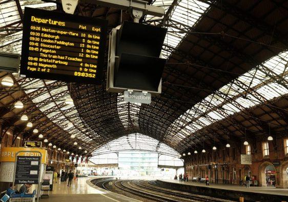 Train Travel in the UK min