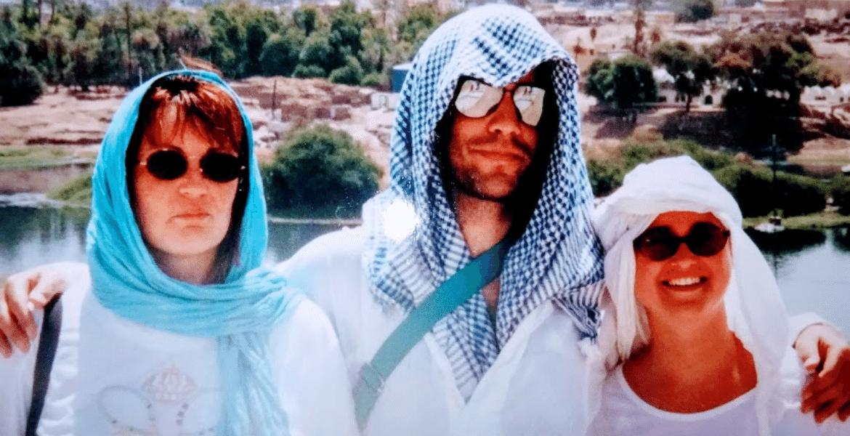 Headscarf in Egypt Grey Globetrotters min