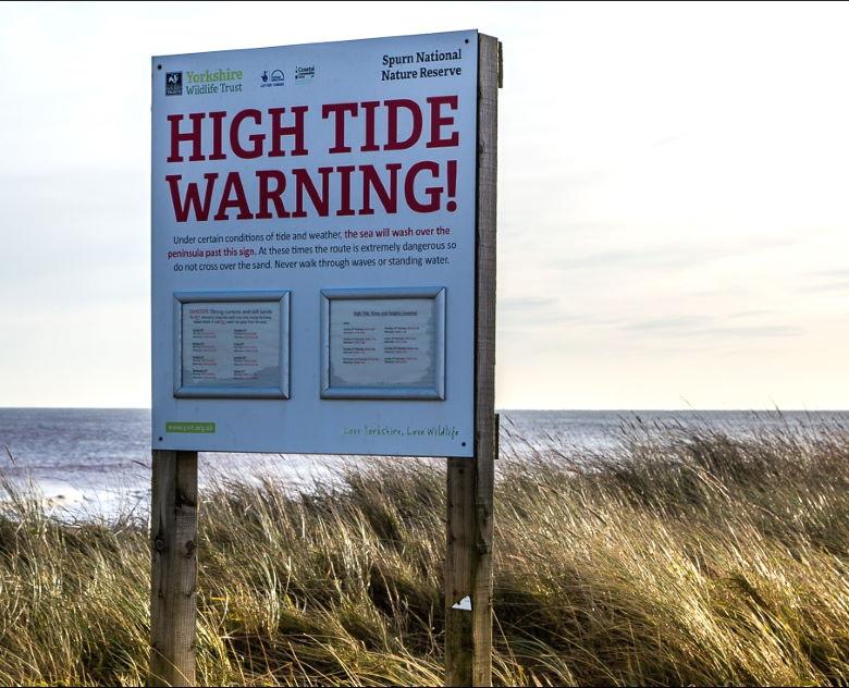 High tide warning signs at Spurn Head