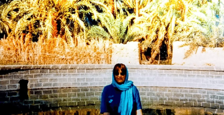 Swimming in Egypt Western Desert min