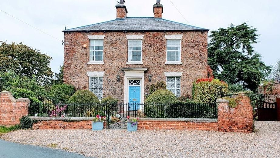 Aldborough House 2 min