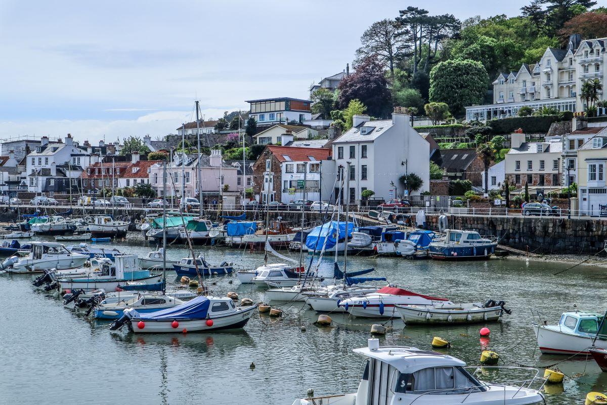 Pretty St Aubin's Harbour, Jersey
